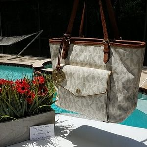 MK Vanilla Jet Set Tote with Front Compartment